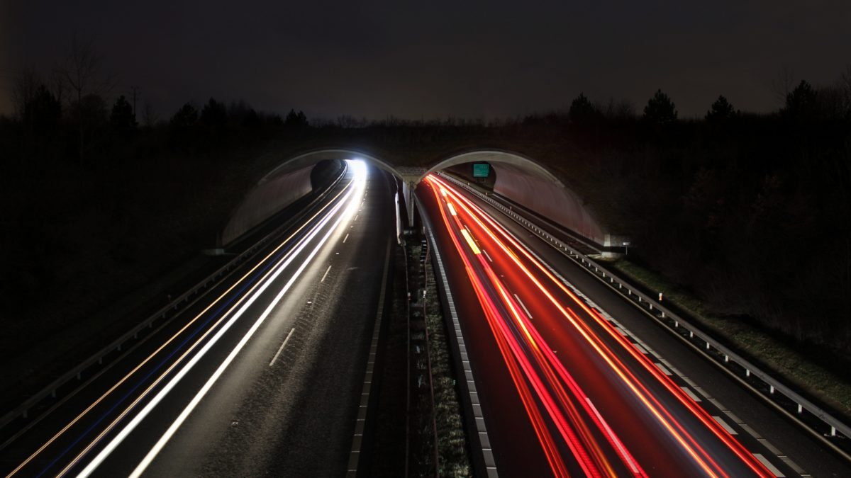 Timelapse_photograph_of_highway