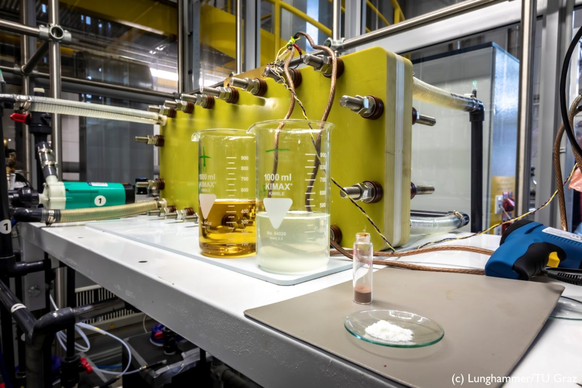 Redox Flow Battery in a lab