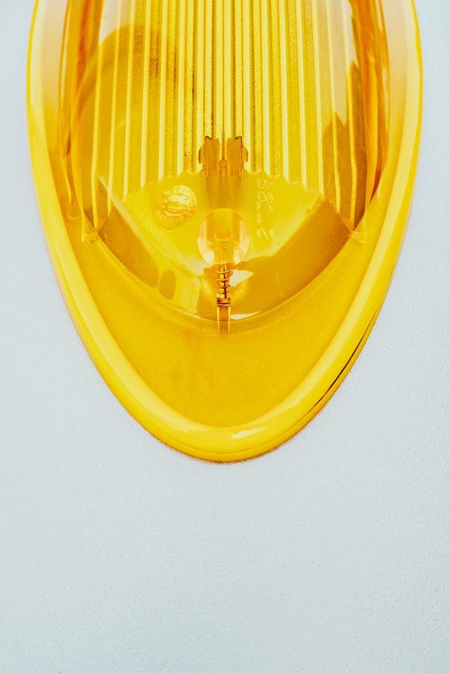 yellow flasher light